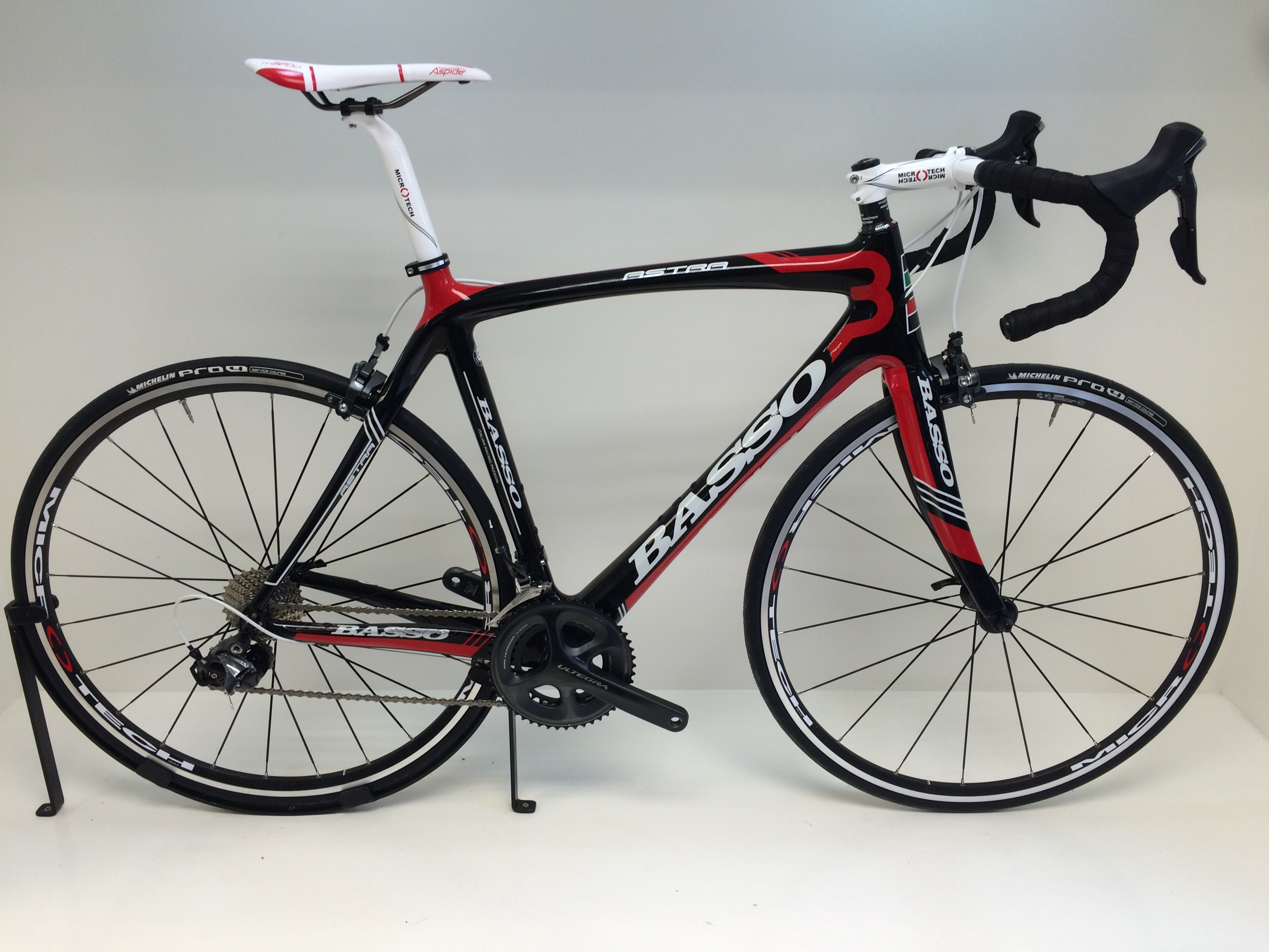 Basso Astra 2014 Black Red