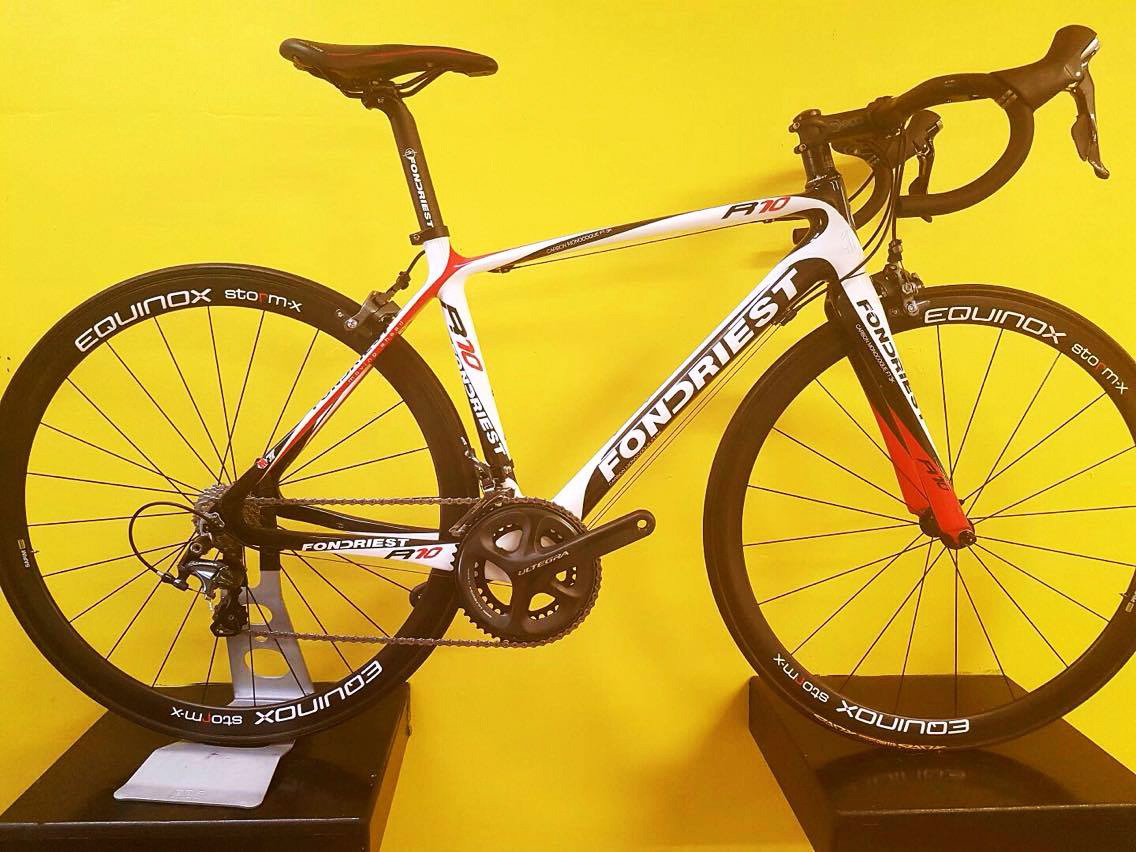 Fondriest R10 White/Black/Red
