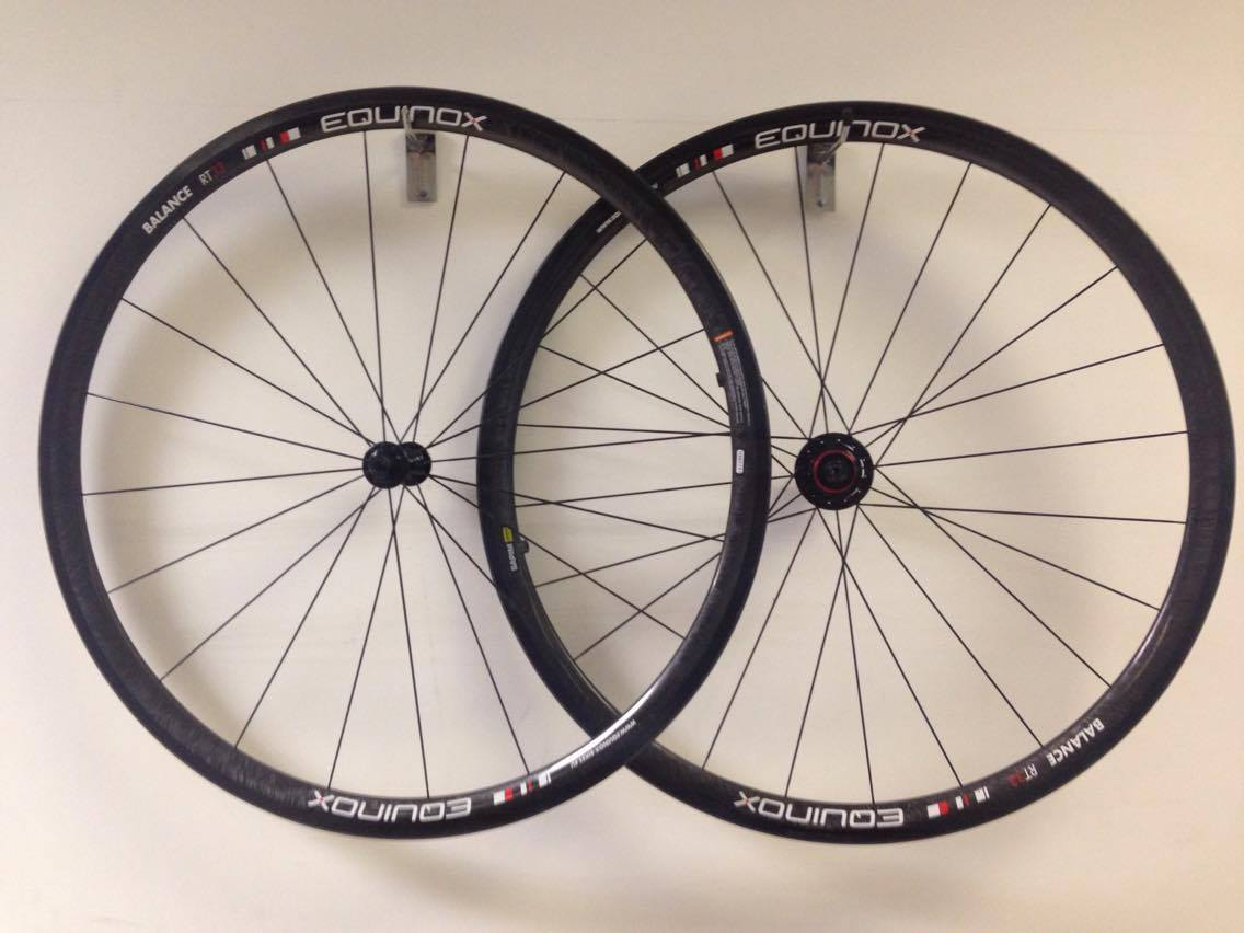 Equinox RT33 Carbon Wheels